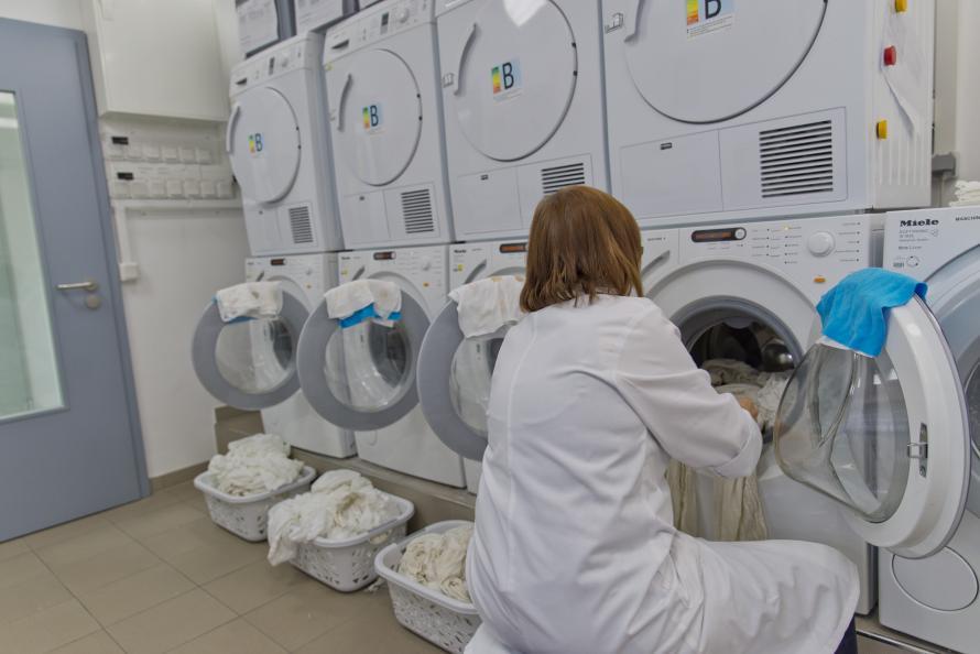 Testen blev udført i vaskemaskiner af mærket Miele (W1514) ved en vasketemperatur på 40°C og en vandhårdhed på 15 dH. Foto: Tobias Meyer